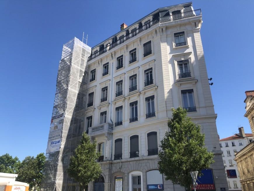 Lyon : il fait une chute mortelle de 20 mètres alors qu'il explorait les toits