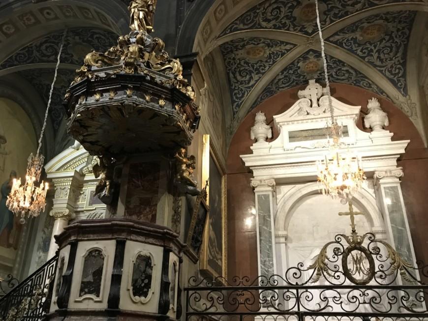 La restauration des façades et clochers de l'Hôtel-Dieu a débuté
