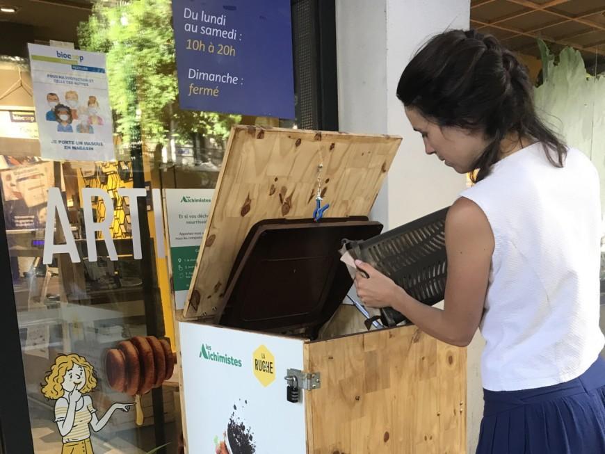 Inauguration d'une borne biodéchets en juillet place Guichard