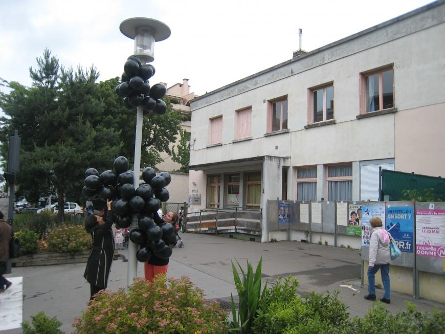 Rythmes scolaires à Lyon : après l'opération SPAM, place aux ballons noirs