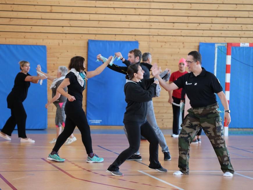 Des cours gratuits de self-défense pour les victimes de violences enseignés par des gendarmes