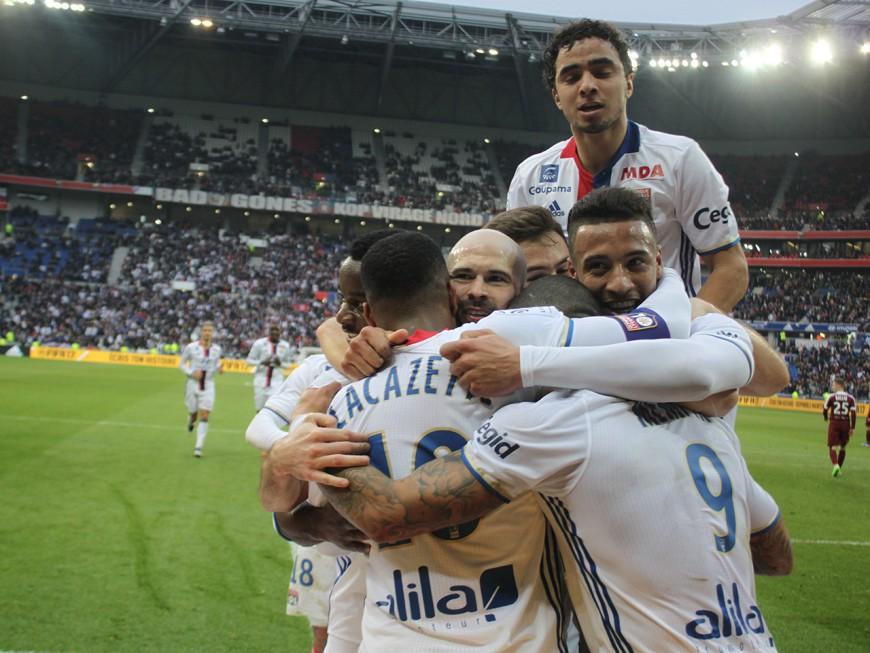 OL-Metz : Lyon reste sur son petit nuage (5-0) - VIDEO
