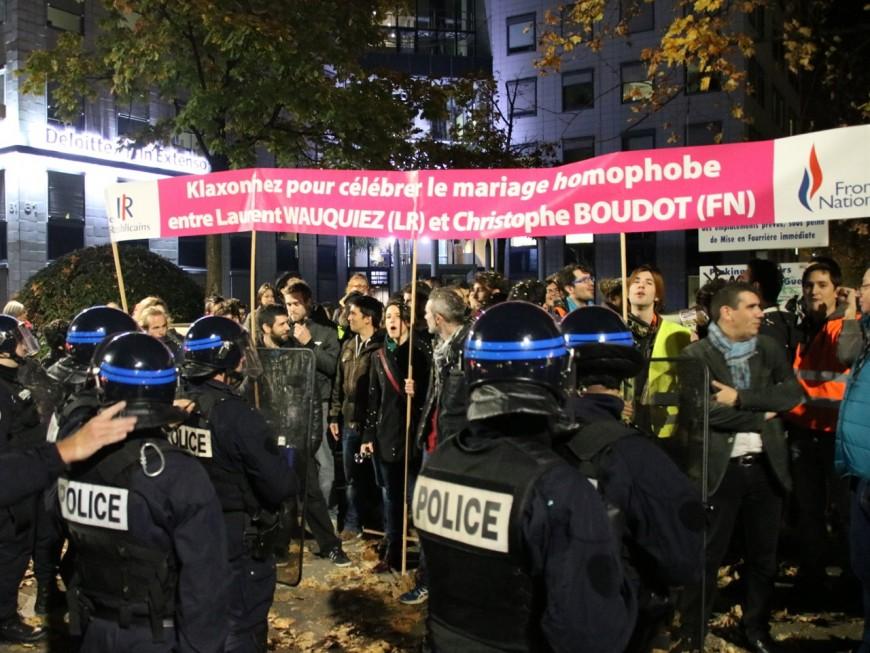 Une soixantaine de militants contenus en marge d'une réunion de la Manif pour Tous