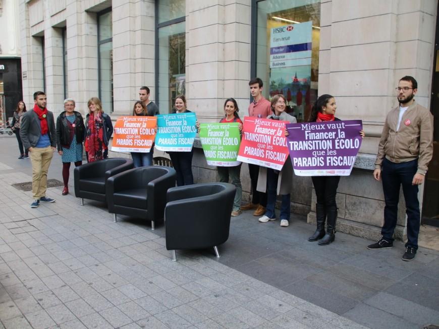 """Lyon : les """"faucheurs de chaises"""" ciblent HSBC avant de se faire interpeller"""