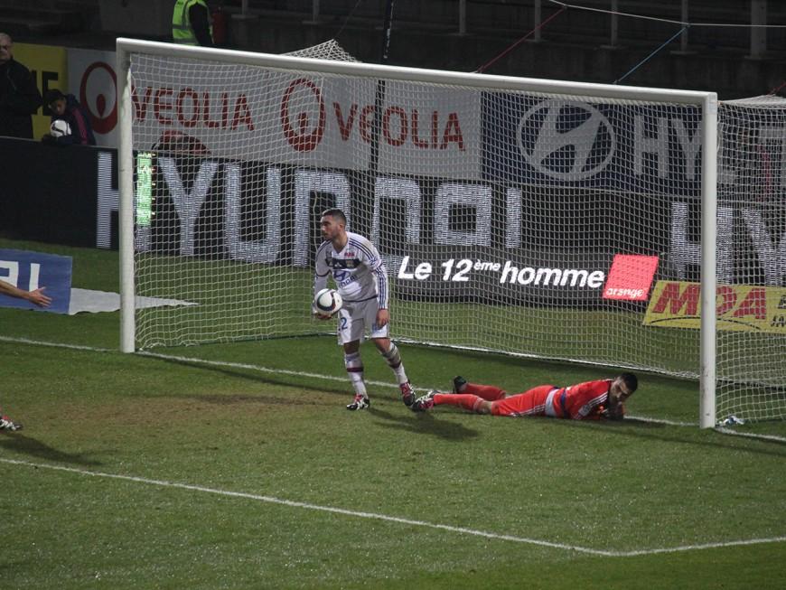 Pour sa dernière à Gerland, l'OL a gâché la fête face à Angers (0-2)