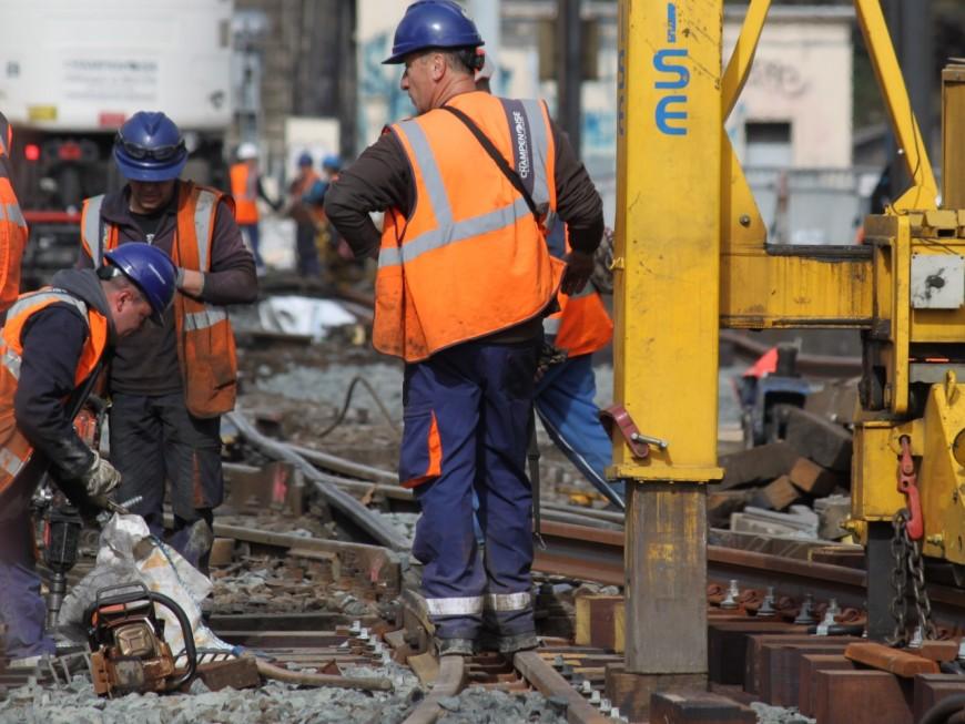 Déraillement d'un train de fret près de Lyon : le trafic encore perturbé ce mardi