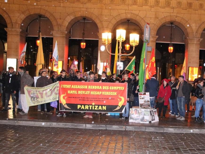 Lyon : une centaine de manifestants pour dénoncer le massacre de Kurdes