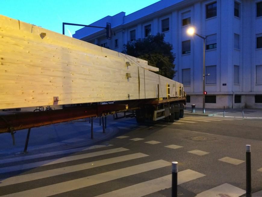 Lyon : le convoi exceptionnel aura bloqué l'avenue durant près de 20 heures