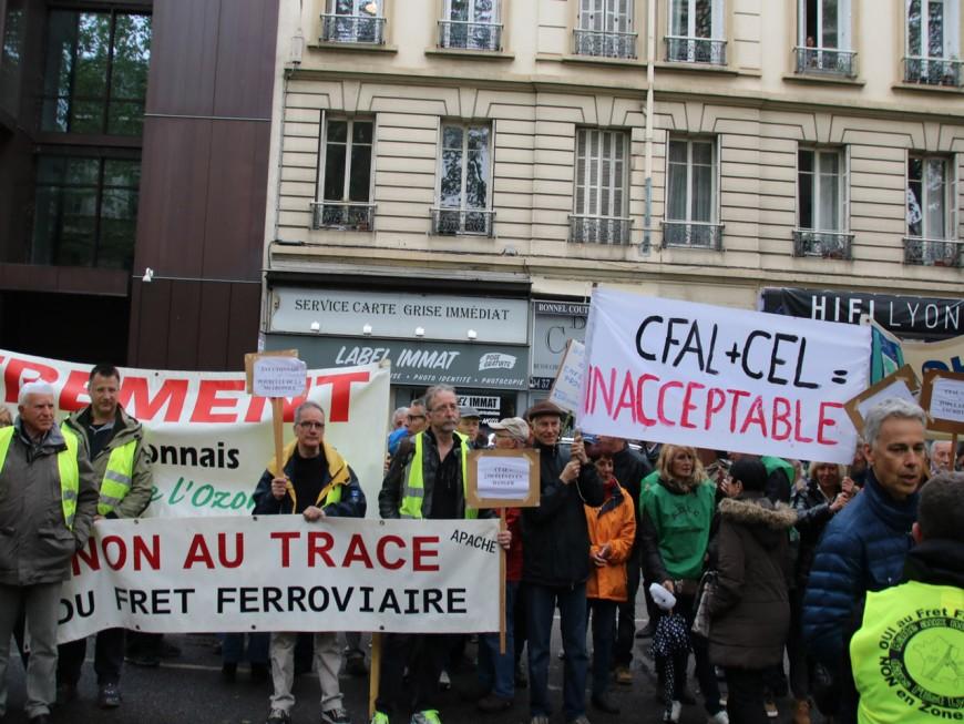 Une manifestation à Feyzin contre lecontournement ferroviairede l'agglomération