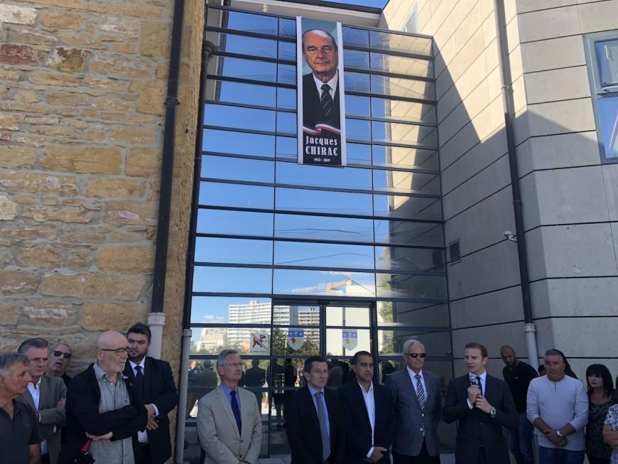 Silence à Rillieux-la-Pape en hommage à Jacques Chirac - VIDEO