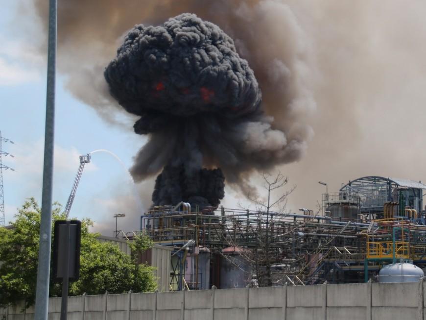 Incendie sur un site Seveso près de Lyon : la piste accidentelle privilégiée