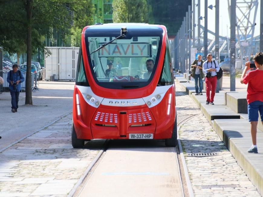 Lyon: les navettes autonomes Navly inaugurées à la Confluence