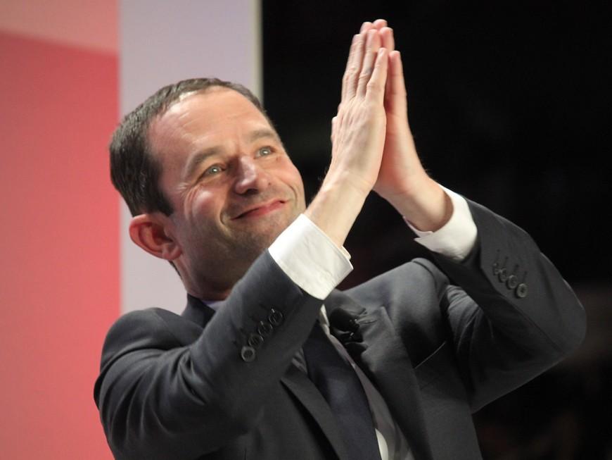 """Benoît Hamon à Villeurbanne : """"Votez pour vous, pas pour ces imposteurs !"""""""