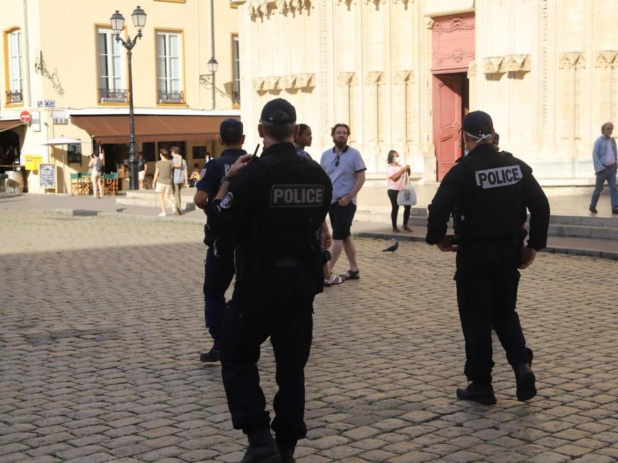 Port du masque obligatoire à Lyon : après la prévention, place aux sanctions ?