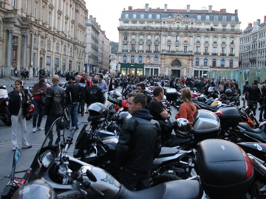 Lyon : 200 motards en colère ont manifesté