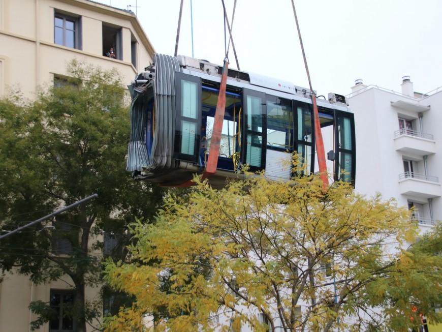 Un tramway déraille à Lyon : les rames évacuées