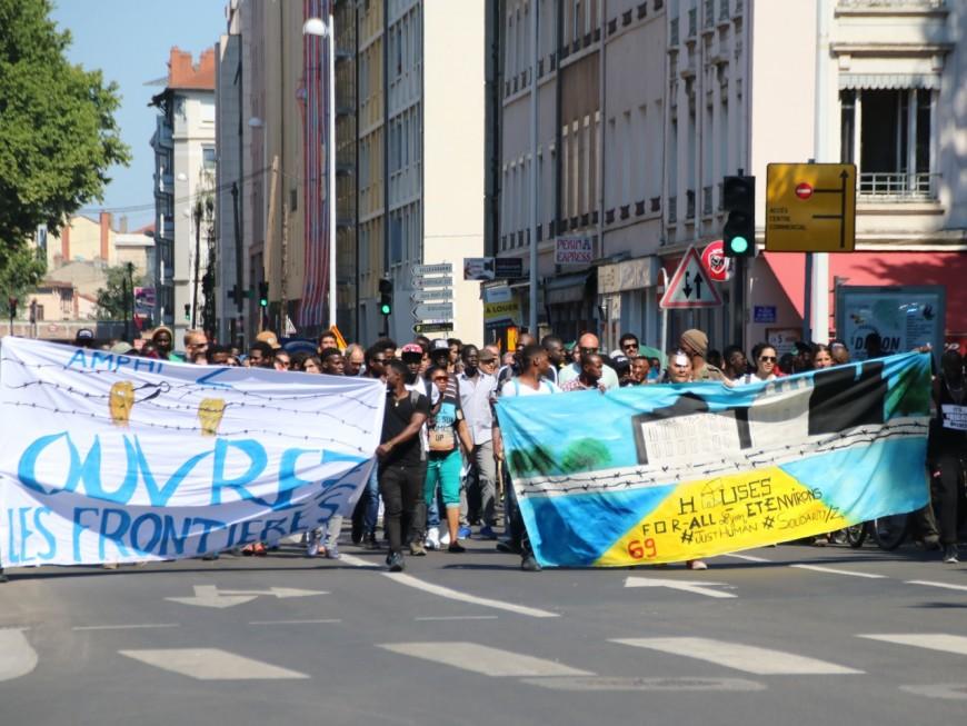 Lyon : manifestation des demandeurs d'asile et réquisition d'un nouveau squat
