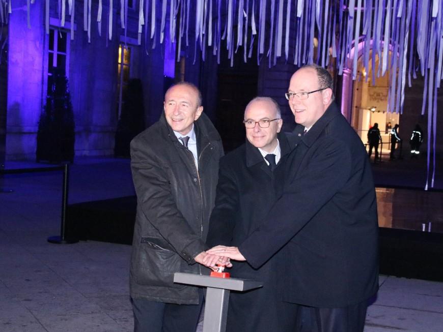 Fête des Lumières : Bernard Cazeneuve salue la décision de Gérard Collomb de relancer l'évènement