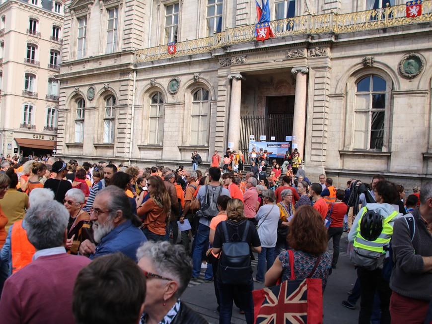 Lyon : plus de 500 personnes solidaires avec les migrants et l'Aquarius