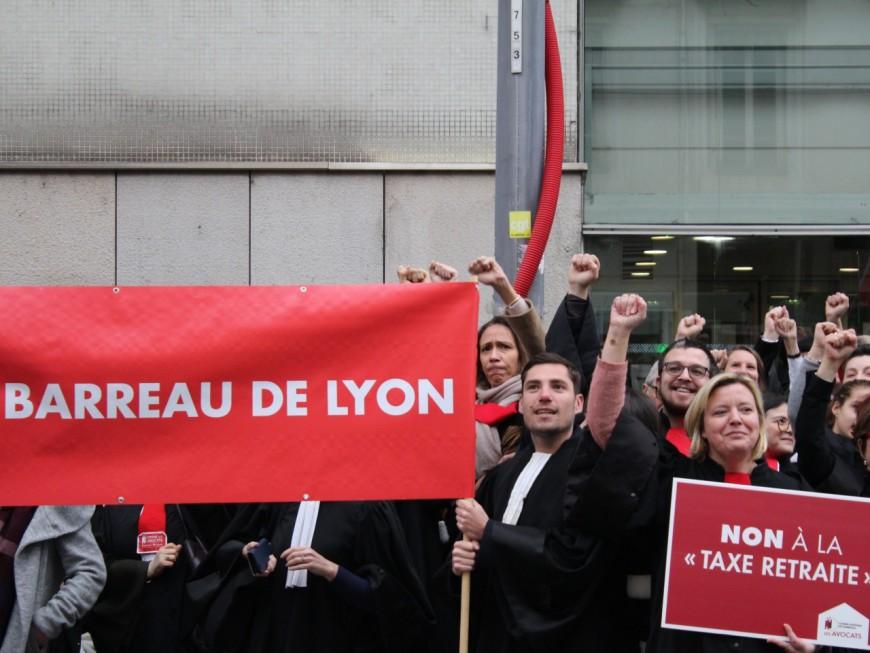 """Lyon : les avocats envisagent """"une opération judiciaire contre l'Etat"""""""