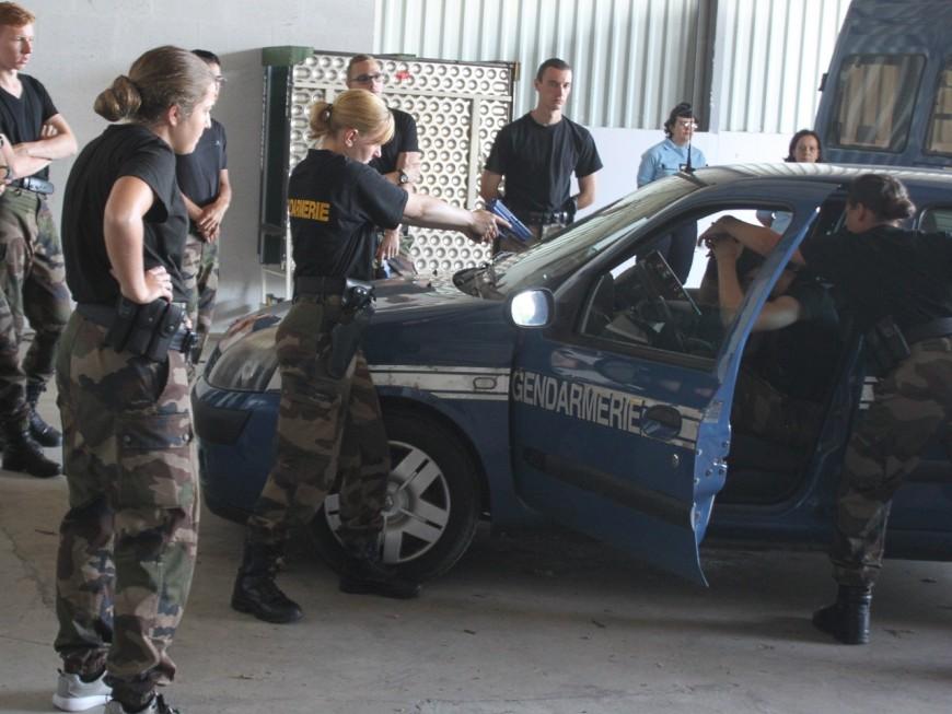 Auvergne Rhône-Alpes: 1000 gendarmes réservistes recrutés d'ici 2018