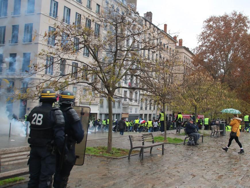 Lyon : des casseurs à la Guillotière et à Bellecour après la manifestation des gilets jaunes