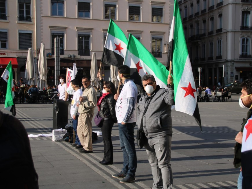 Les Syriens de Lyon rendent hommage aux victimes des armes chimiques