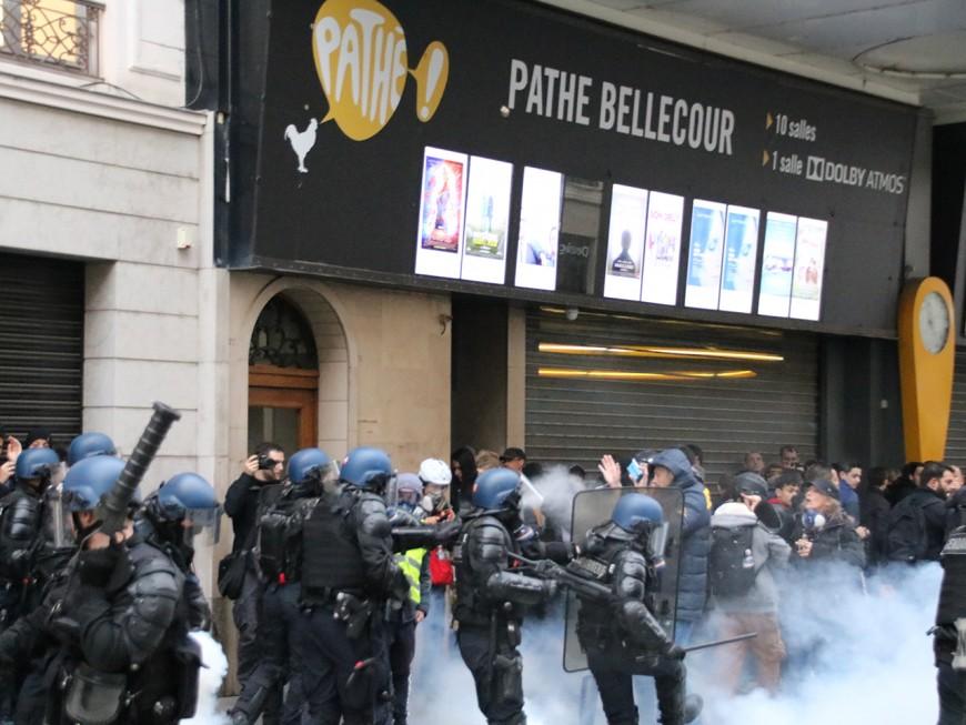 Gilets jaunes à Lyon : grosses tensions rue de la Ré et avenue Jean-Jaurès