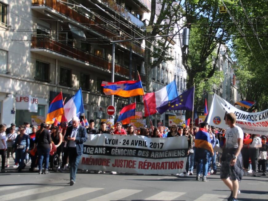 Génocide arménien : des centaines de personnes ont défilé pour réclamer justice à Lyon