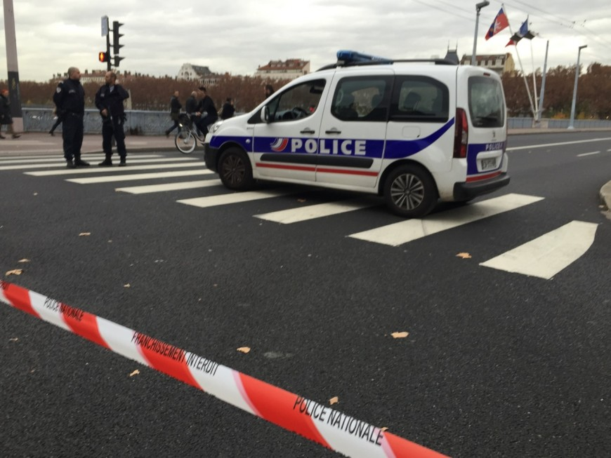 Lyon : un colis suspect dans un bus paralyse le centre-ville (Màj)