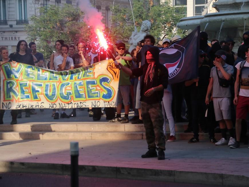 """Squat du GUD à Lyon : 250 antifas manifestent pour dénoncer le """"Bastion social"""""""