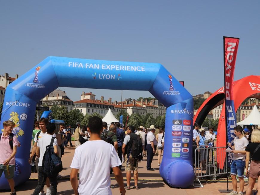 Mondial 2019 : la FIFA Fan Experience est ouverte place Bellecour - VIDEO