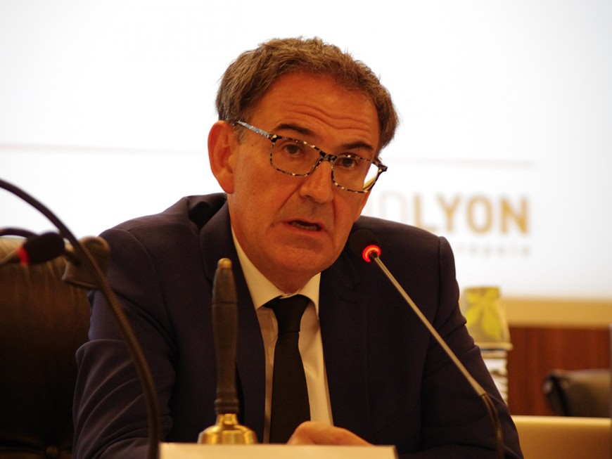 Sans surprise, David Kimelfeld prend la présidence de la Métropole de Lyon