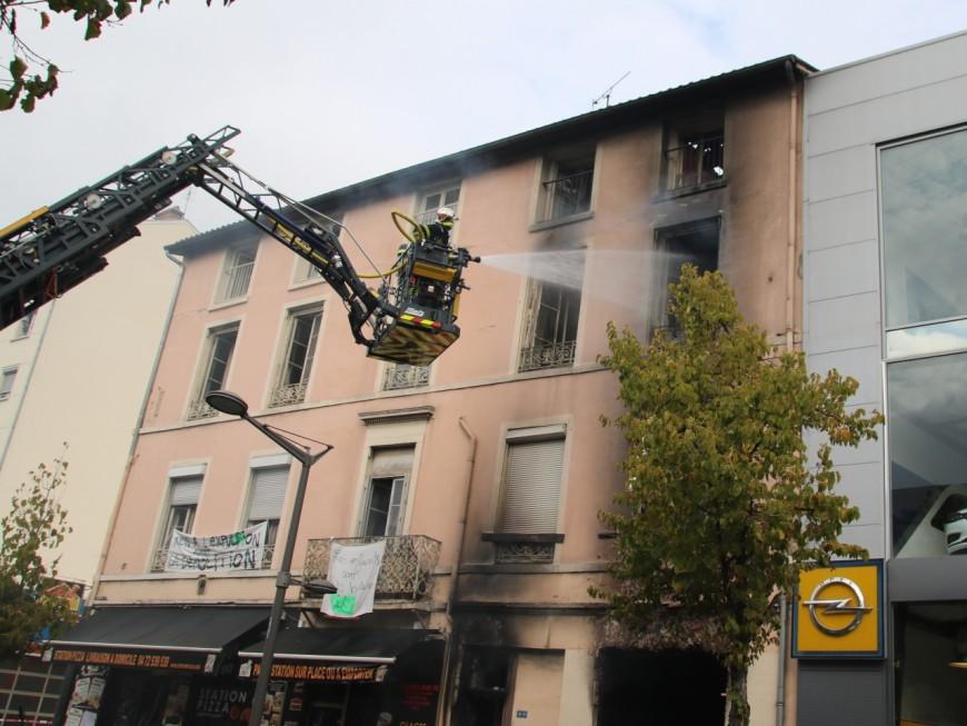 Lyon: important incendie ce vendredi matin rue Marietton (MàJ)