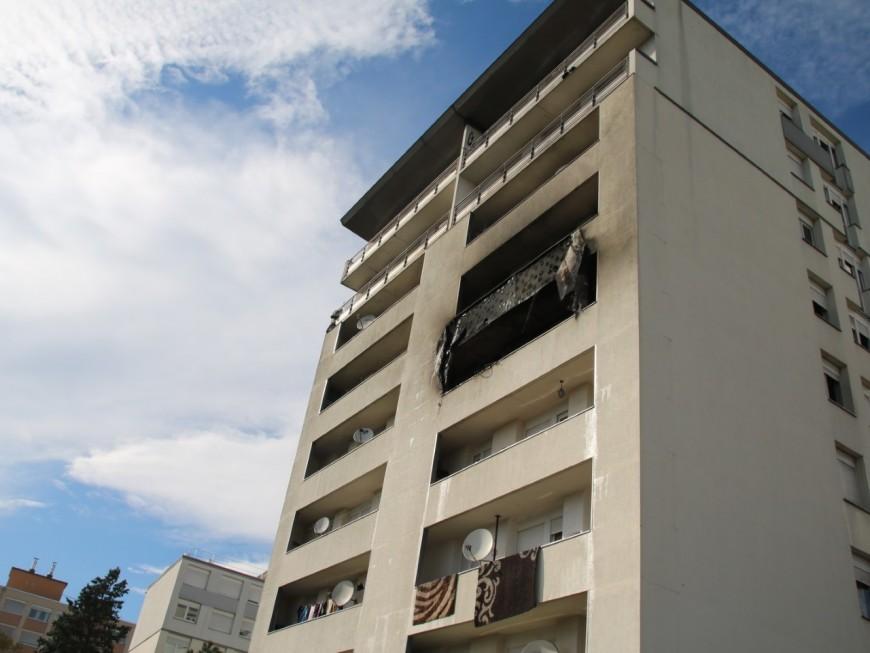 Villeurbanne : un violent feu d'appartement ce samedi après-midi