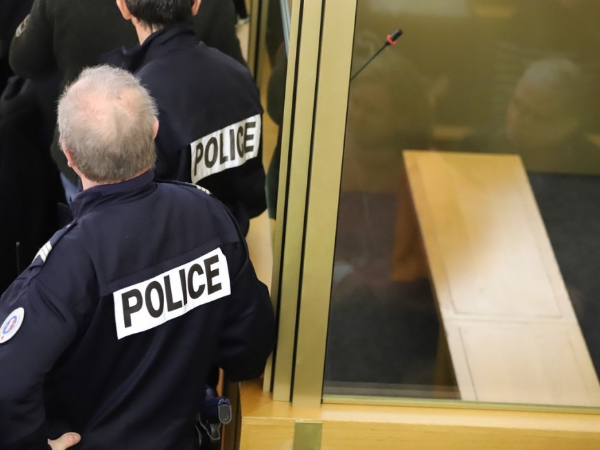 Dégradation du local du PCF à Lyon : trois jeunes condamnés à de la prison avec sursis