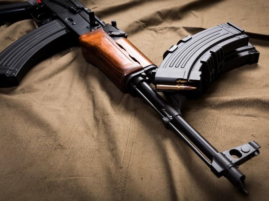 AK-47 et lance-roquettes retrouvés à Feyzin : un homme condamné mais libre