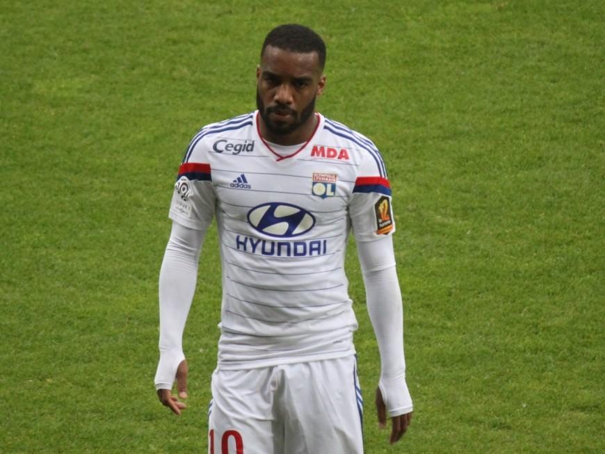 OL : Fournier veut que Lacazette reste à Lyon