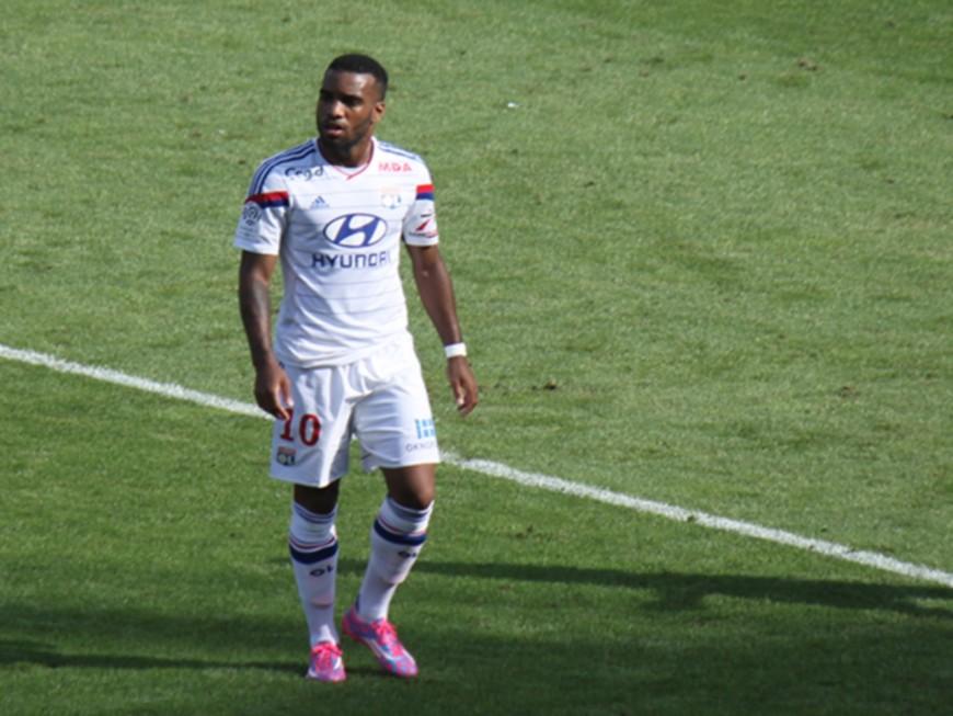 L'OL laisse le Trophée des Champions au PSG (2-0)