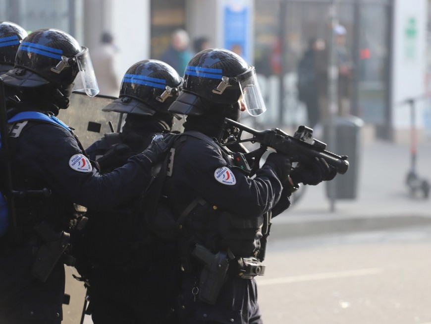 Gilet jaune blessée par un tir de LBD à Lyon : 800 euros d'indemnisation pour la plaignante