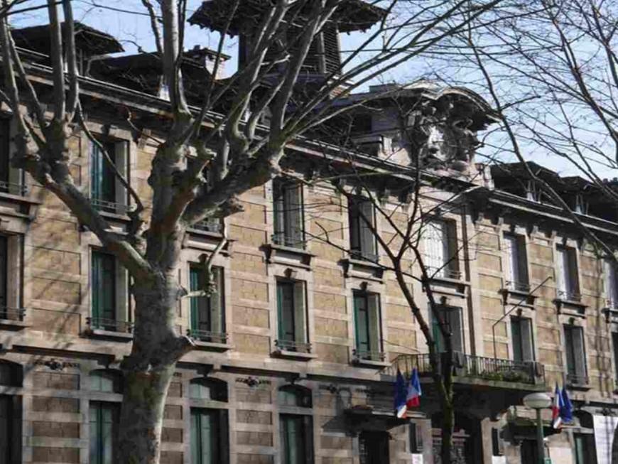 Baisse du budget destiné aux LV2 : deux lycées lyonnais s'insurgent contre l'Académie de Lyon