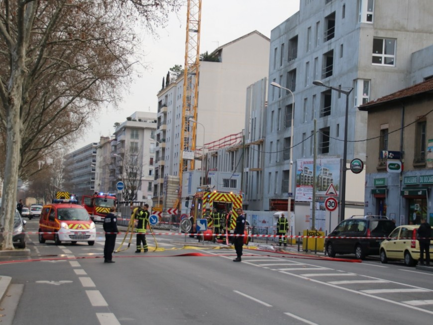 Lyon 8e : un incendie dans un immeuble ce lundi matin