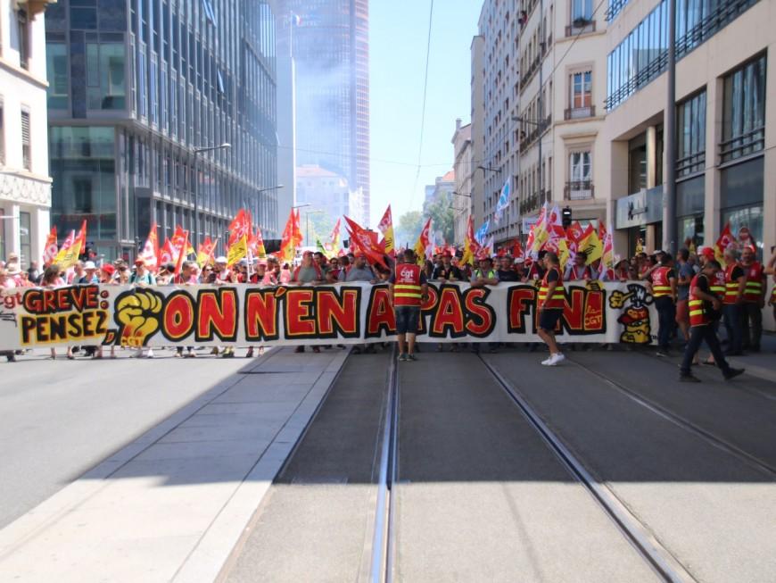"""Entre 2200 et 4000 personnes manifestent à Lyon pour """"préparer la rentrée"""""""