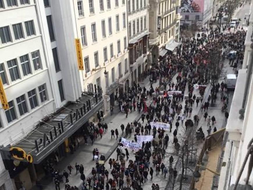 Lyon : la manifestation contre la loi Macron «immigration-asile» a rassemblé un millier de personnes