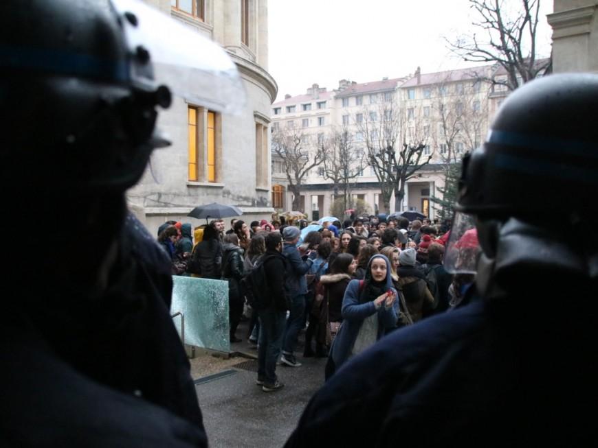 Lyon : le débat public sur l'état d'urgence annulé à cause d'une manifestation
