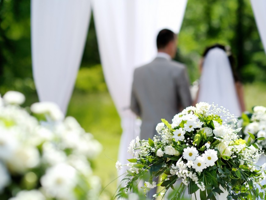 Mariage controversé à Bron : la version de la mariée