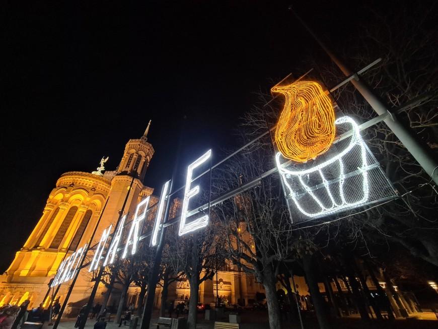 """Avec la mise en lumière de son """"Merci Marie"""", Lyon se prépare au 8 décembre"""