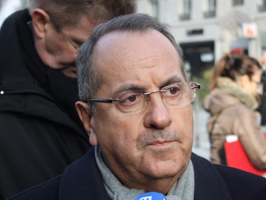 """Roms : le préfet du Rhône """"regrette profondément"""" les actions du maire de Saint-Genis-les-Ollières"""