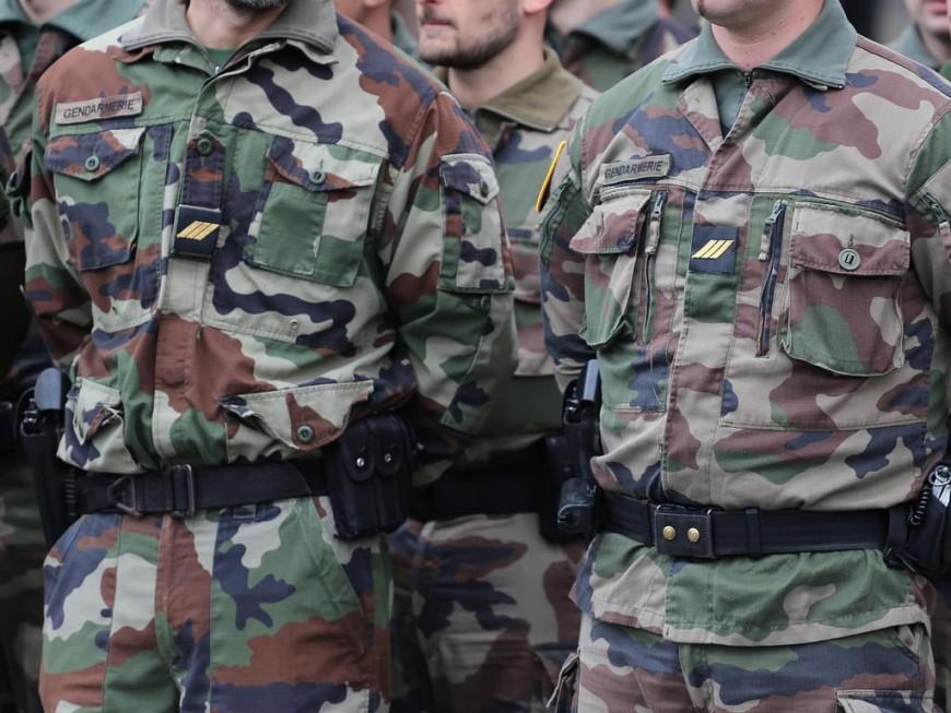 Lyon : un militaire sauve la vie d'un enfant suspendu dans le vide