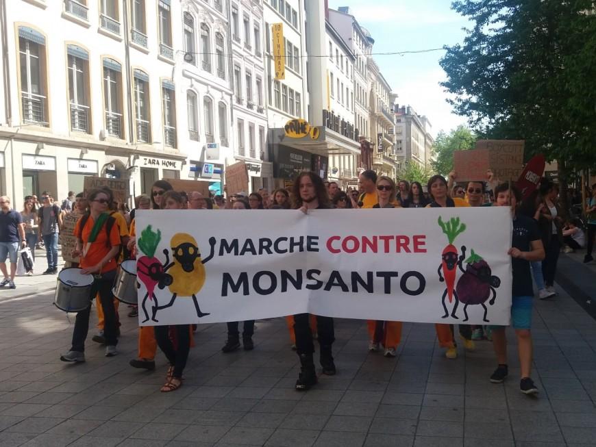 Une manifestation à Lyon contre la fusion Bayer-Monsanto